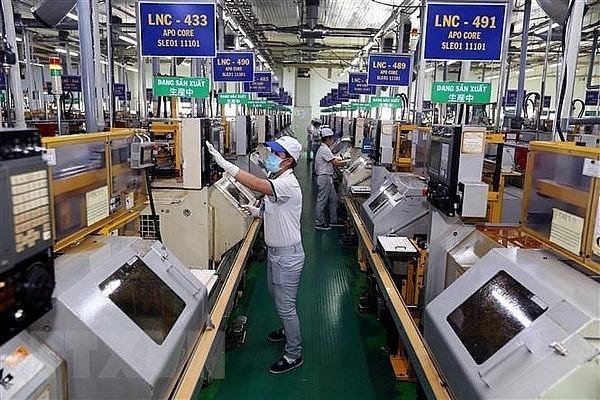 Standard Chartered hạ dự báo tăng trưởng kinh tế Việt Nam năm 2021 xuống 2,7%